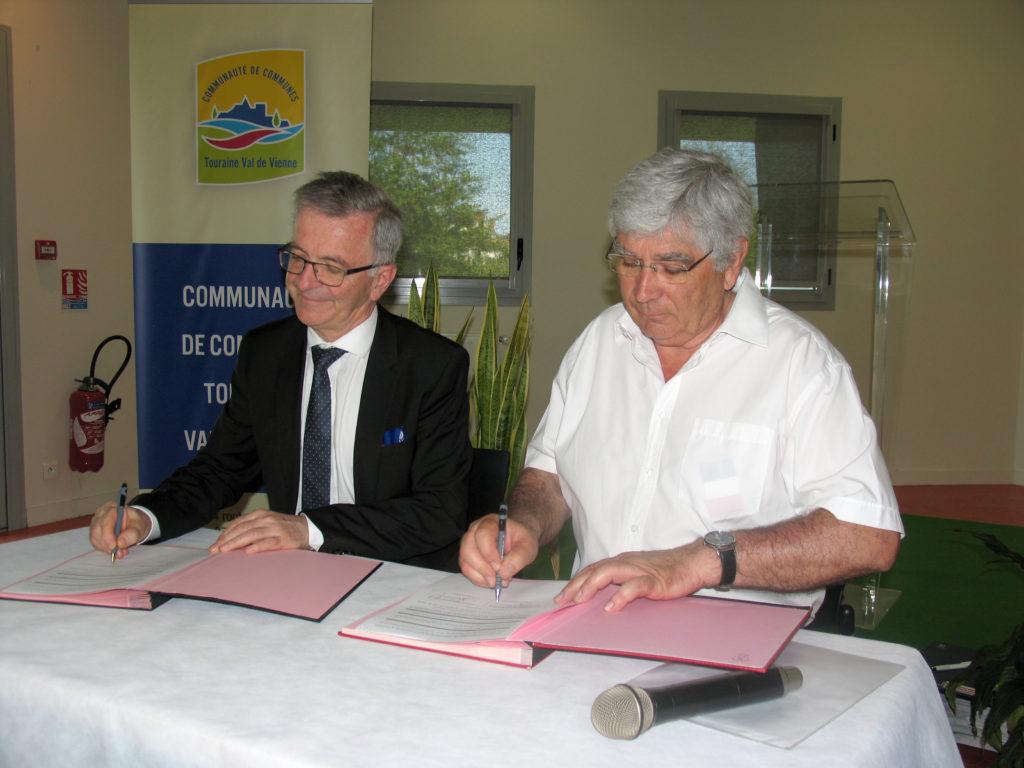Signature de la convention de partenariat économique entre la CC Touraine Val de Vienne  et la Région Centre Val de Loire
